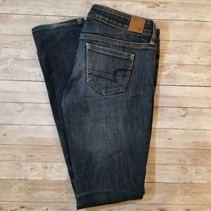 American Eagle Distressed Ankle Jeans size 4 EUC